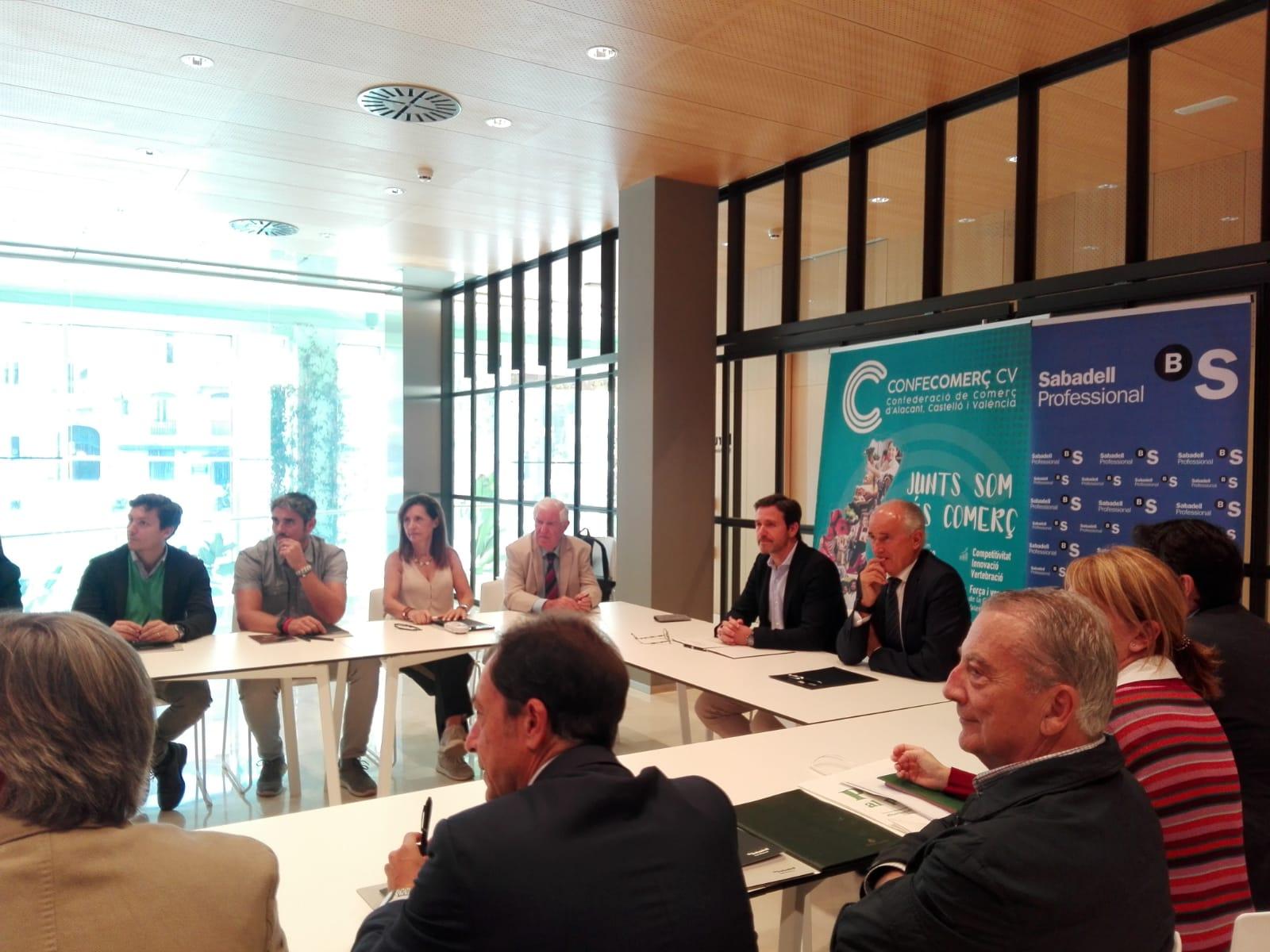 Firma colaboración Banco Sabadell y Confecomeç